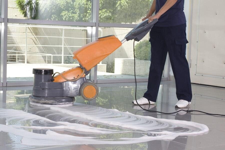 semdiensten - vloer reinigen